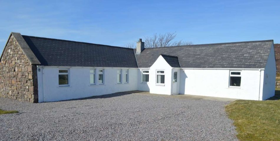 external-view-of-house - Gairloch Holiday Homes